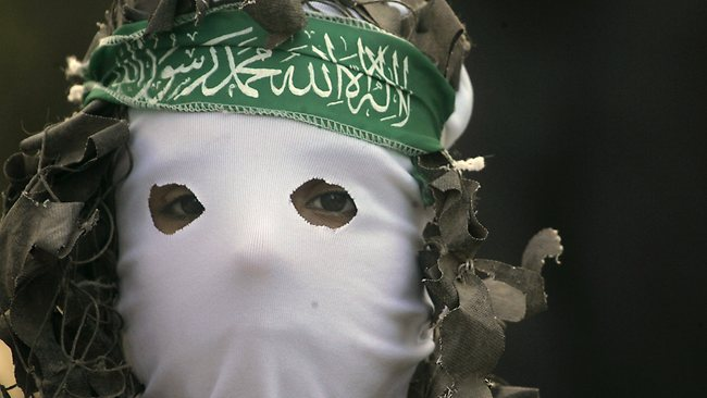 591537-masked-palestinian-at-a-hamas-rally